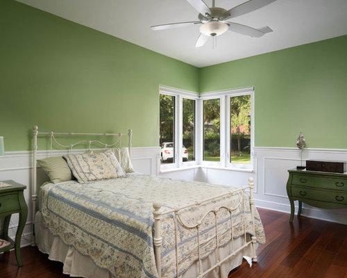 Chambre verte avec un sol en travertin photos et id es for Taille minimum d une chambre