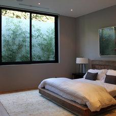 Modern Bedroom by Foundation Landscape Design