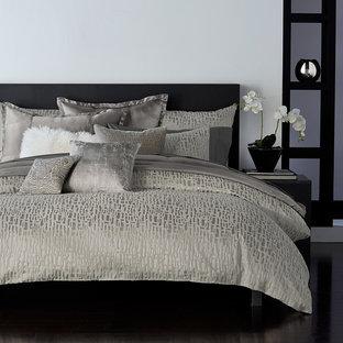 Пример оригинального дизайна интерьера: спальня в современном стиле