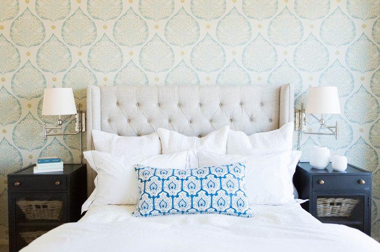 Классический Спальня by Ashley Winn Design