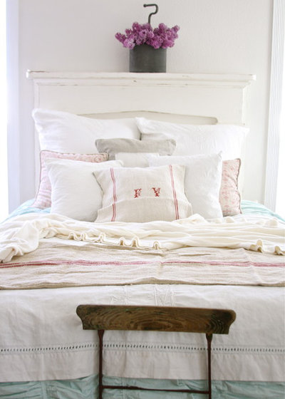 Good Shabby chic Style Bedroom by Dreamy Whites
