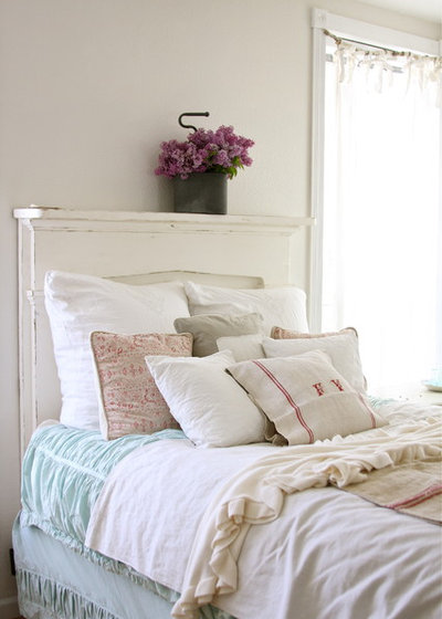 Luxury Shabby chic Style Bedroom by Dreamy Whites