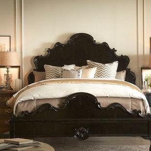 チャールストンの広いコンテンポラリースタイルのおしゃれな主寝室 (ベージュの壁、磁器タイルの床、暖炉なし)
