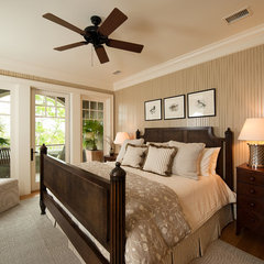 traditional bedroom by Solaris Inc.