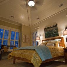 Beach Style Bedroom by Viridian Homes