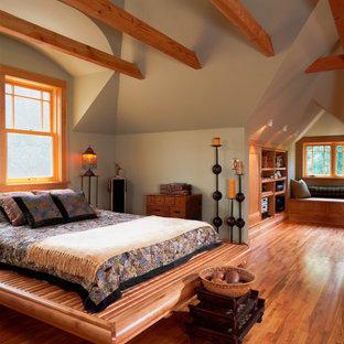 Bedroom - eclectic bedroom idea in Minneapolis with gray walls