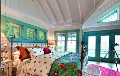 Accent a Room With Colorful Trim