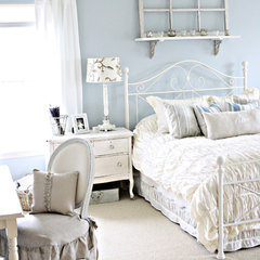 eclectic bedroom by French Larkspur