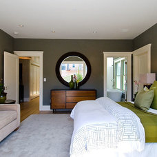Traditional Bedroom by Eco+Historical, Inc.
