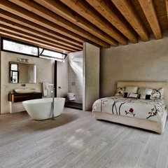 contemporary bedroom by Alexandre Parent
