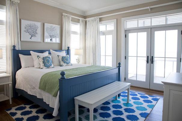 Beach Style Bedroom by Riverside Designers