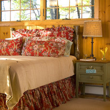 Rustic Bedroom by Edwina Drummond Interiors