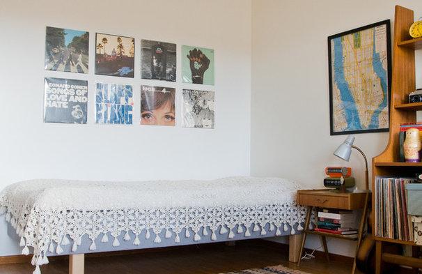 Midcentury Bedroom by Hilda Grahnat