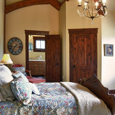 Traditional Bedroom by Ane Hatch & Associates