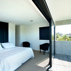 Modern Bedroom by Daniel Marshall Architect