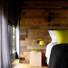 Contemporary Bedroom by Wolveridge Architects
