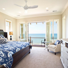 Beach Style Bedroom by Visbeen Architects