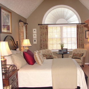 Inspiration for a timeless bedroom remodel in Cleveland