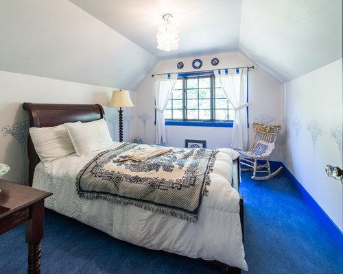 Chambre craftsman avec un sol en linol um photos et for Taille moyenne chambre