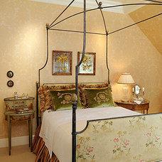 Traditional Bedroom by Linda L. Floyd, Inc., Interior Design
