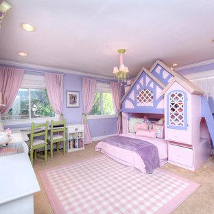 Mittelgroßes Klassisches Gästezimmer mit lila Wandfarbe und Teppichboden in San Francisco