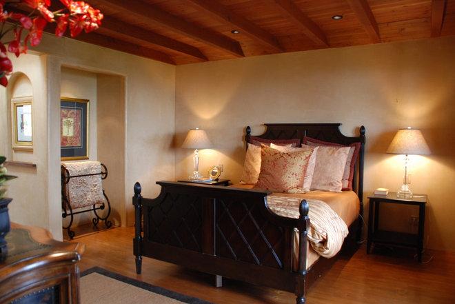 Mediterranean Bedroom by EB Knight Construction