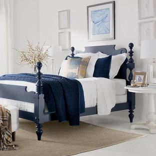 Imagen de dormitorio principal, clásico renovado, de tamaño medio, sin chimenea, con paredes blancas, suelo de madera pintada y suelo blanco