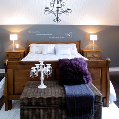 contemporary bedroom by Eurêka! Design