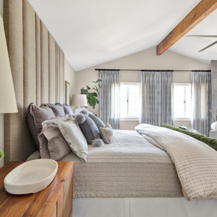 Bedroom - mid-sized country bedroom idea in Los Angeles