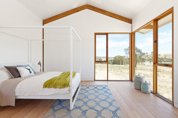 Transitional Bedroom by MODUS Architects