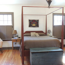 Farmhouse Bedroom by Maplestone Construction