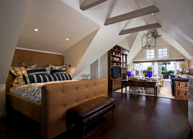 Farmhouse Bedroom by DD Ford Construction