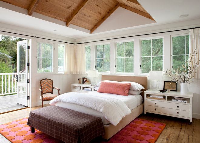 Farmhouse Bedroom by Ken Linsteadt Architects