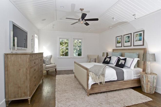 Farmhouse Bedroom by KCS, Inc.