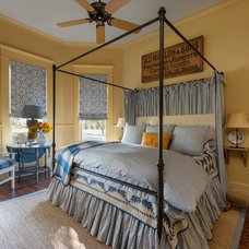 Farmhouse Bedroom by Maison Maison, Suzanne Duin Owner