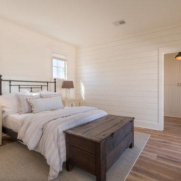 Farmhouse Design With Post Oak