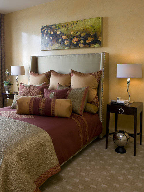 Burgundy bedroom design ideas renovations photos for Black and burgundy bedroom ideas