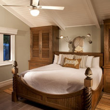 Beach Style Bedroom by Marengo Morton Architects