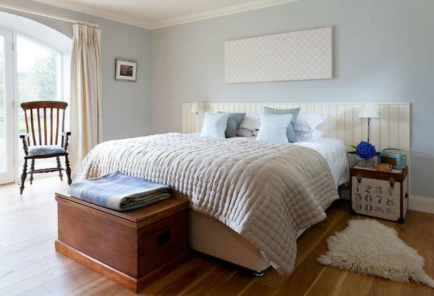 Rustic Bedroom by Robertson Lindsay Interiors
