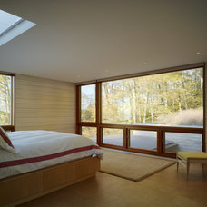 Contemporary Bedroom by Wheeler Kearns Architects