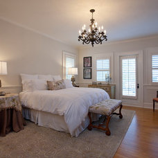 Traditional Bedroom by Clifford M. Scholz Architects Inc.