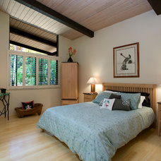 transitional bedroom by Projects by Giffin & Crane