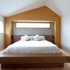 Modern Bedroom by Lacey Construction Ltd.