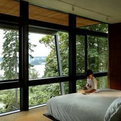 modern bedroom by Eggleston Farkas Architects