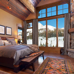 traditional bedroom by Locati Architects