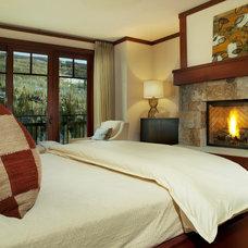 Contemporary Bedroom by LKID