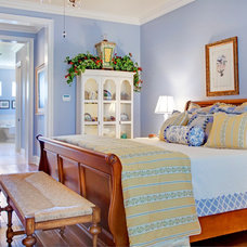 mediterranean bedroom by Sunscape Homes, Inc