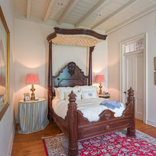 Traditional Bedroom by Trapolin-Peer Architects