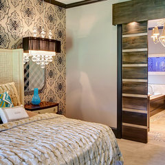 modern bedroom by Hensley Premier Builders