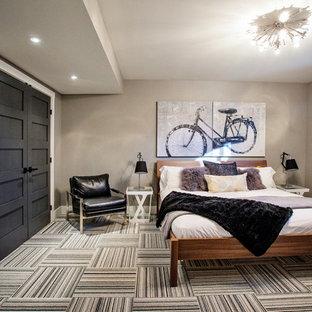 Aménagement d'une chambre avec moquette contemporaine avec un mur gris et un sol multicolore.